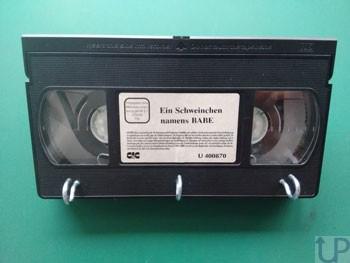 Schluesselboard-aus-VHS-Kassette-UP
