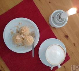 MArillenkoedel-mit-Semmelbroesel-und-Milchkaffee1