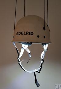 Edelrid-Kletterhelm-Lampe2_UP